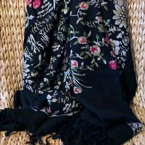 Accessories - New XL 100% Wool Super Soft Floral Scarf